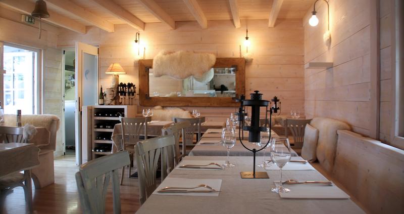 petit paradis annecy restaurant pieds dans leau lac 10