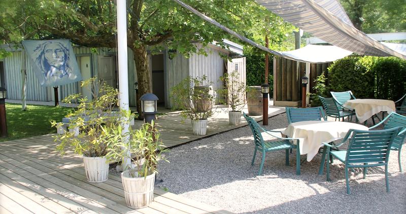 petit paradis annecy restaurant pieds dans leau lac 16